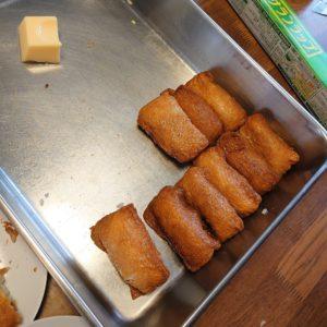 この日のお昼は手作りのお稲荷さんと玉子豆腐とお味噌汁。