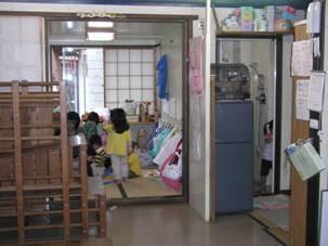1階 入口入って左側は畳の部屋