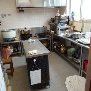 キッチンも完備されています。美味しいおやつやご飯はこちらから。